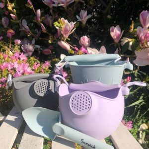 Scrunch watering can group
